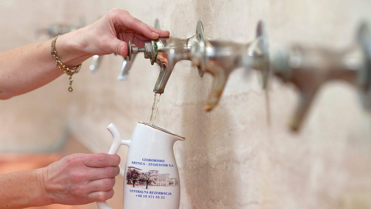 Wody mineralne i lecznicze w Pijalni Głównej w Krynicy-Zdroju